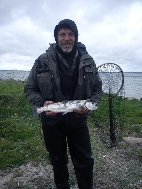 Her er Danny med vinderfisken fra Odsherreds Sportsfiskerforenings Ørredag  foråret 2012